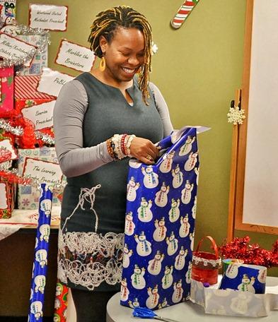Volunteer Wrapping - Melissa