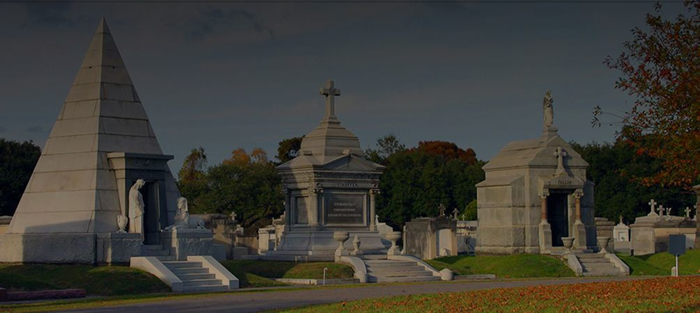 Tour beautiful Lake Lawn Metairie Cemetery