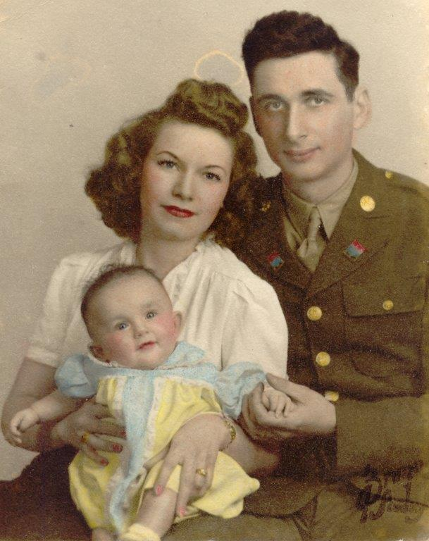 Bobbe and parents, 1945