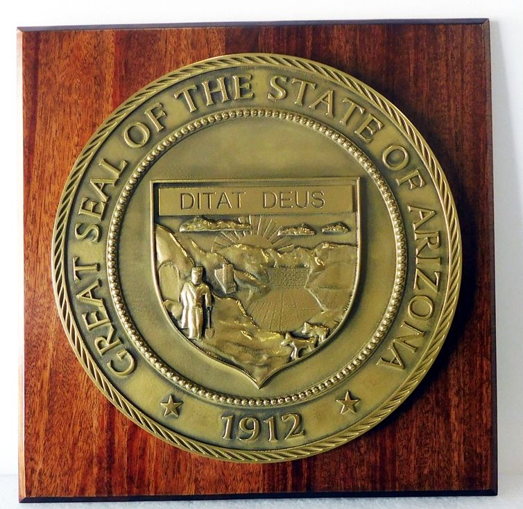M7125 --3D Brass-plated Plaqueof the Great Seal of the State of Arizonamounted on a Mahogany Board