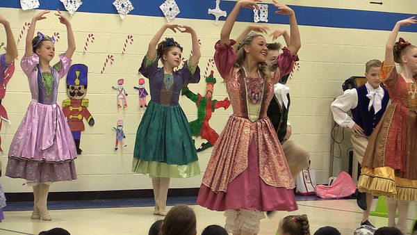 Backstage at the Ballet visits Lakeview Elementary