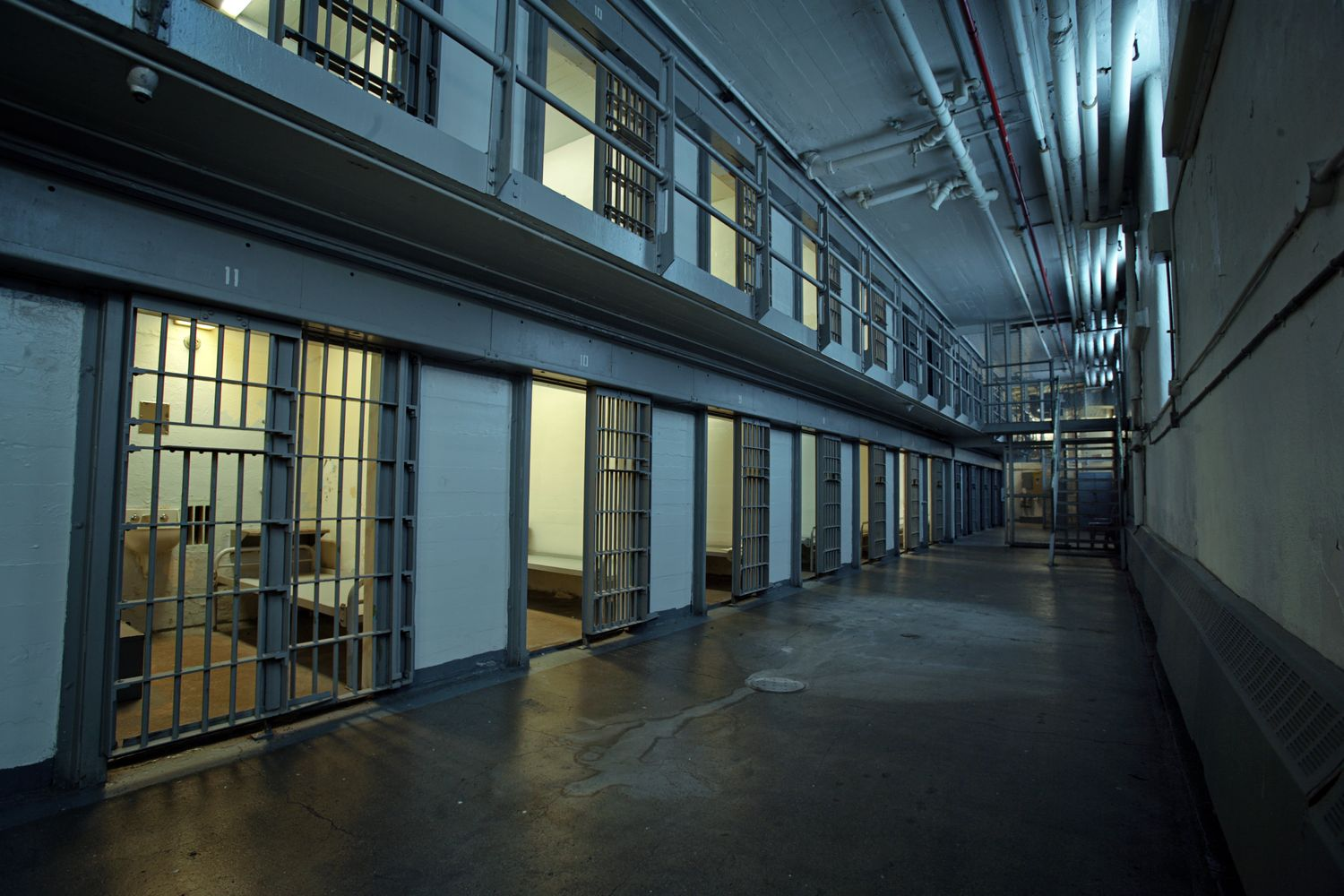 Trans Inmate Sues Illinois, Seeking Transfer to Women's Prison