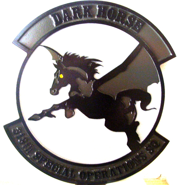 "LP-3780 - Carved Round Plaque of the Crest of the 318th Special Operations Squadron ""Dark Horse"", Artist Painted"