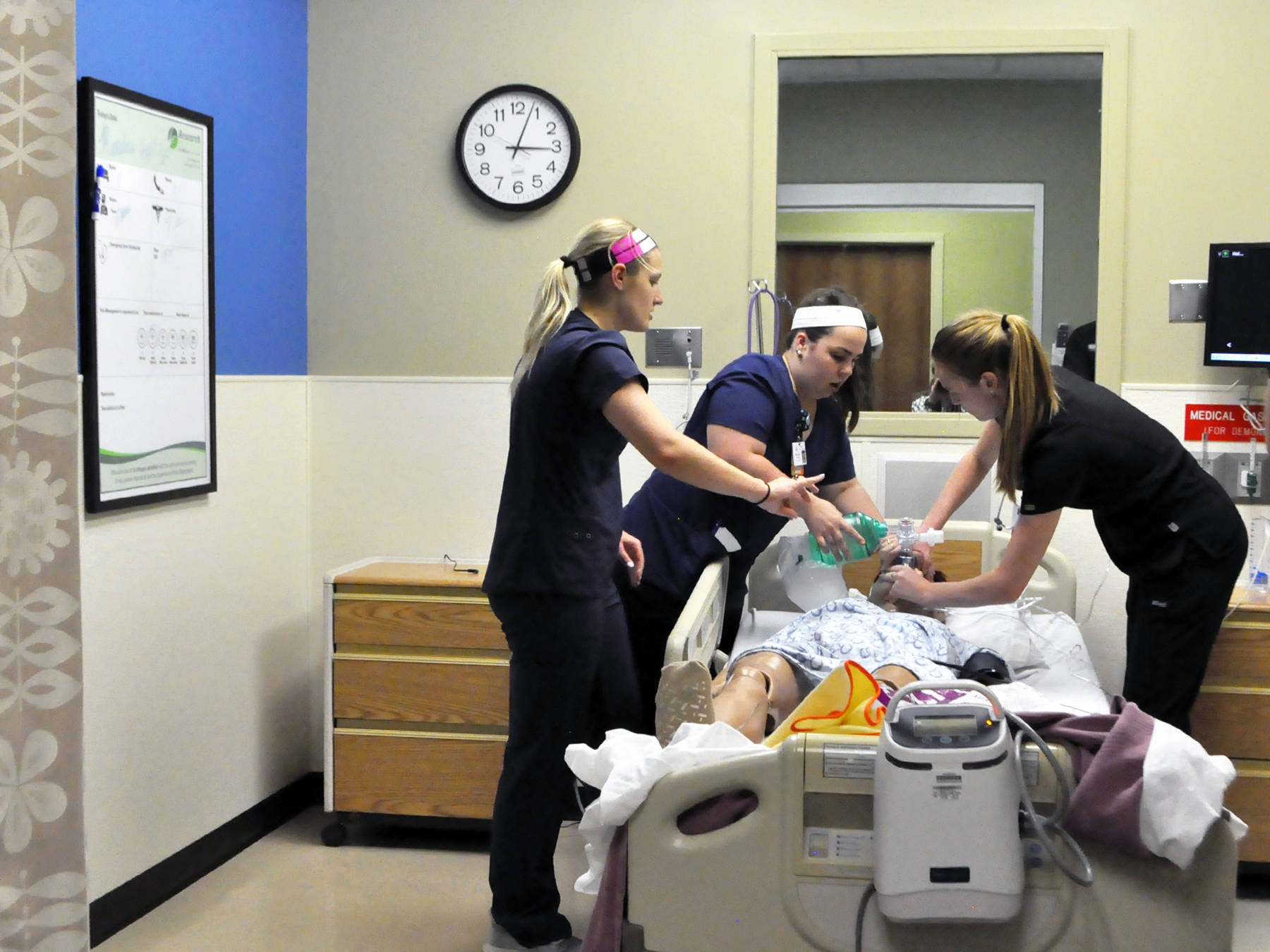 Kansas City nursing students receive scholarships from The Research Foundation