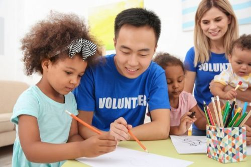How Volunteering Helps Your Mental and Physical Health
