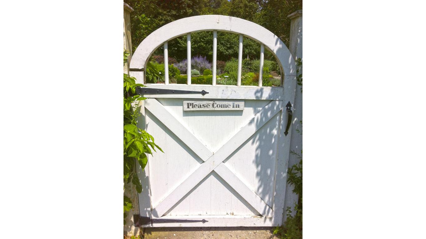NewYork-John Jay Homestead SHS-Garden Gate