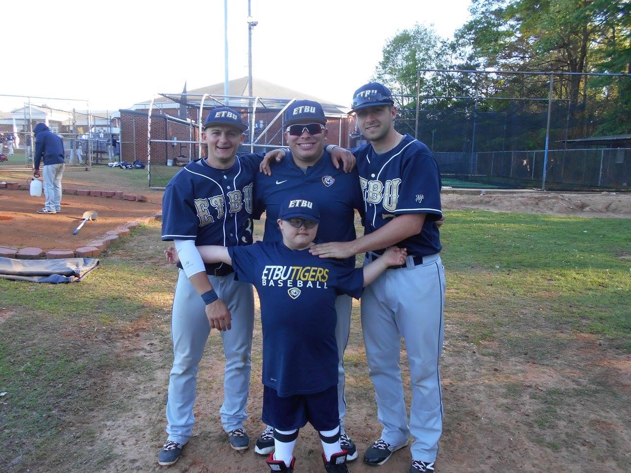 ETBU Baseball Players Visit Markie