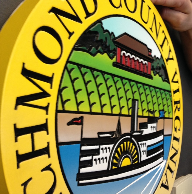 X33385B - Side View of Wall Plaque of the Seal of Richmond County, Virginia, founded in 1692