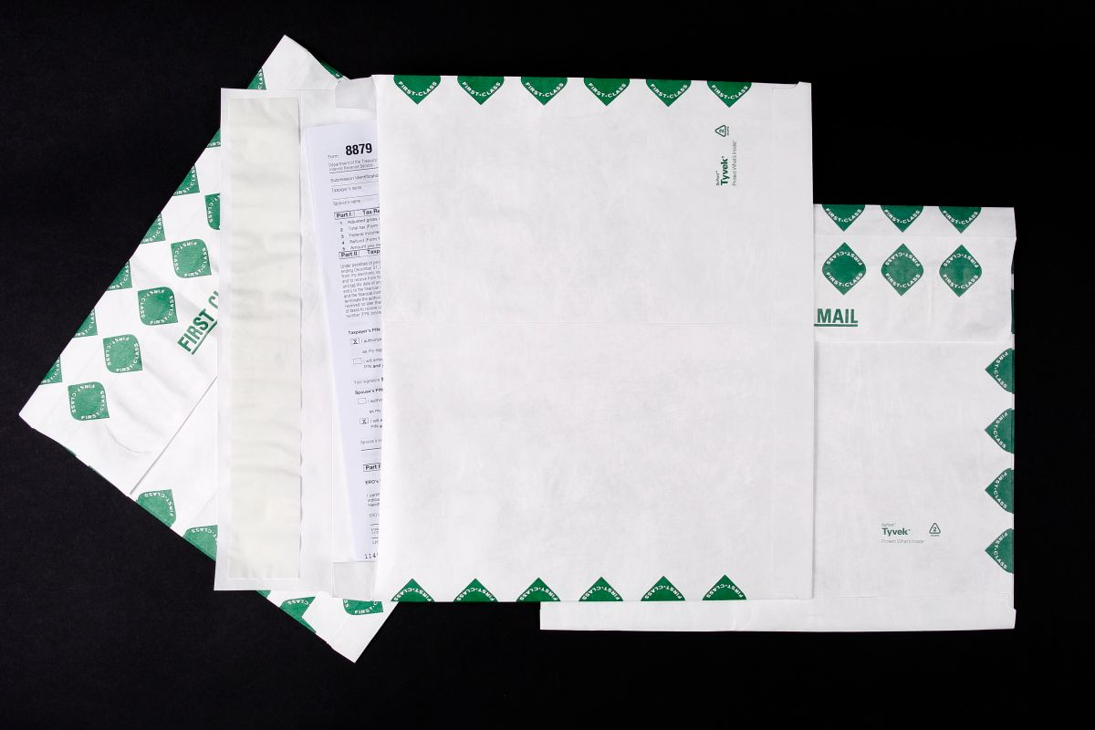 Top 5 Reasons to Use a Tyvek Envelope