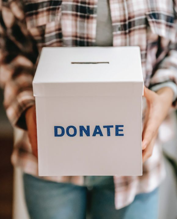 It Feels Good to Give! The Benefits of Donating to a Nonprofit