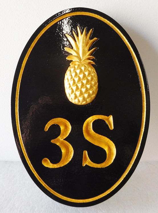 I18452 -  Address Door Plaque, with Gold 3-D Carved Pineapple