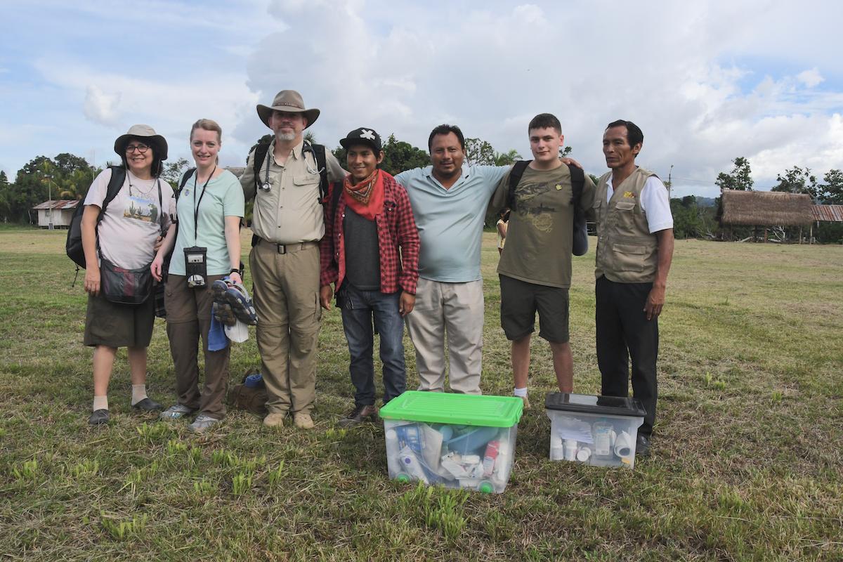 Team in Alto Aruya
