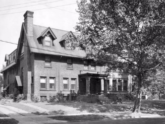 1914 - A New Home