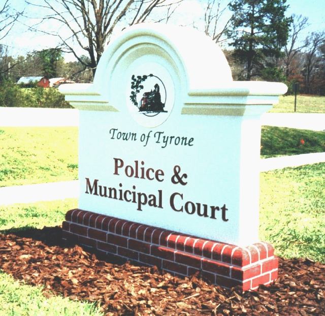 F15044 - Police and Court Monument Sign