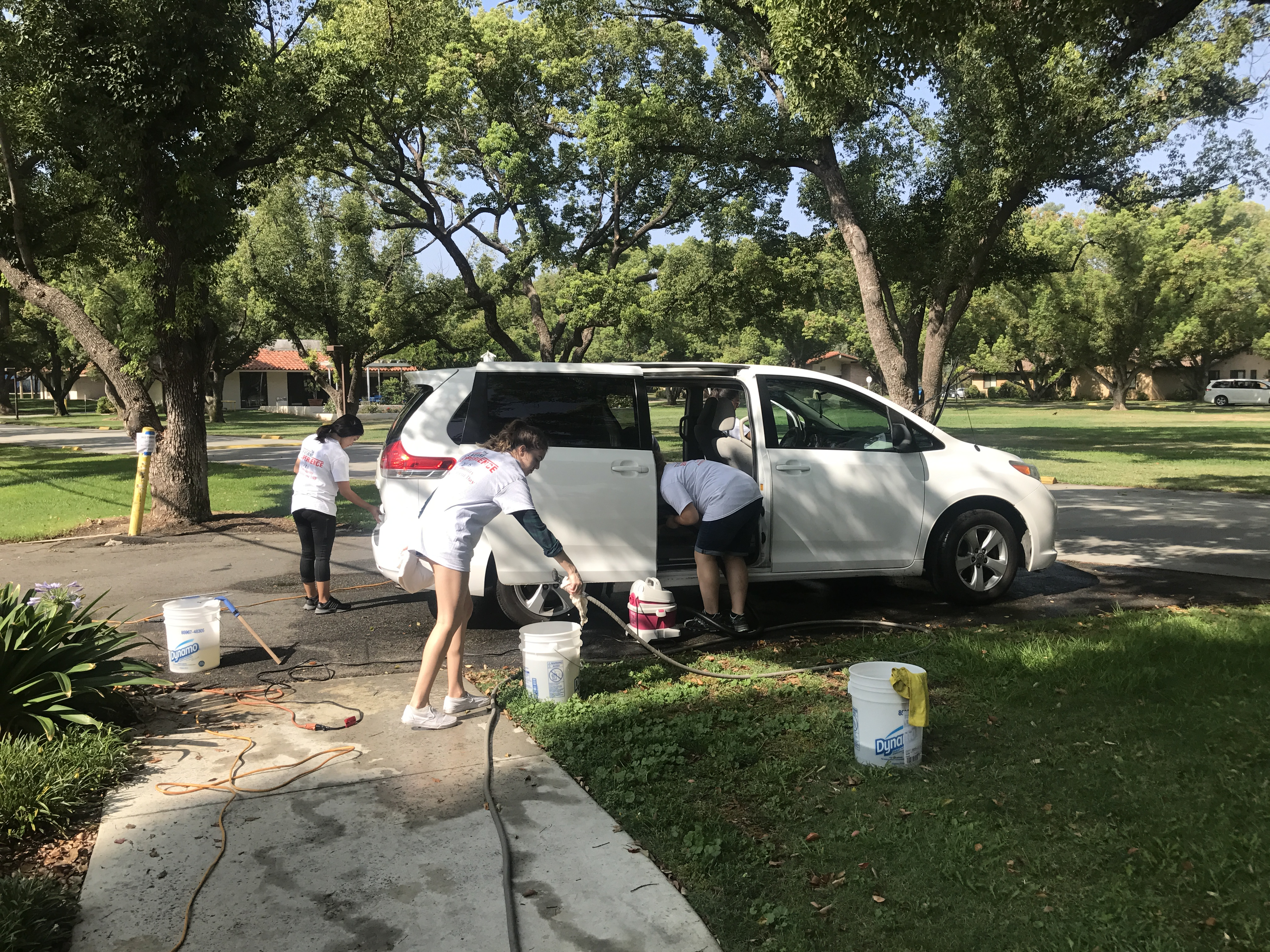 University of La Verne FLEX  Students Volunteer at David & Margaret