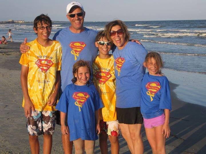 Some of our Chicago family on Kiawah Island, SC. Pete, Lori, Will, Ben, Emma and Kate Roberts - we love it!! ❤