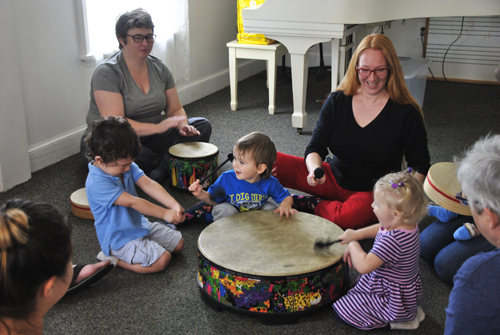 East End Arts Announces MUSIC CLASSES FOR BABIES & TODDLERS (posted December 16, 2016)